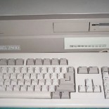 Opět jedna Amiga s přelepkou...